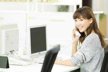 ひかり電話オフィスAで300チャネルまで対応!「ビジネスイーサワイド」とは