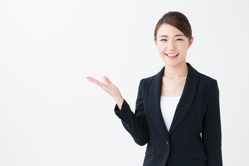 ひかり電話オフィスタイプとは、NTTの提供するインターネットサービス「フレッツ光」を利用したIP電話サービスの一種です。